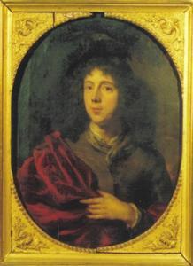 Portret van een jonge man met rode mantel