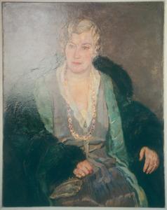 Portret van een oudere dame met bontmantel