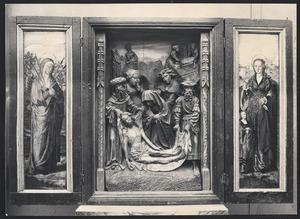 Mater Dolorosa (binnenzijde linkerluik); De bewening (middendeel); De H. Theresa (binnenzijde rechterluik)