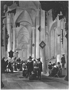 Kerkinterieur met naar een predikant luisterende menigte