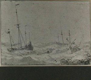 Stormachtige zee met zinkende schepen