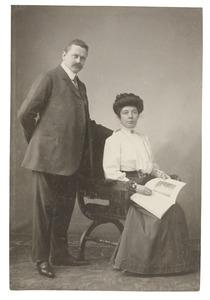 Portret van Everhardus Johannes van Elferen (1869-...) en Anna Catharina Handel (1869)