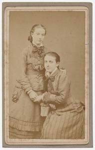 Portret van Anna van Vollenhoven (1862-1924) en een onbekende vrouw, mogelijk haar moeder