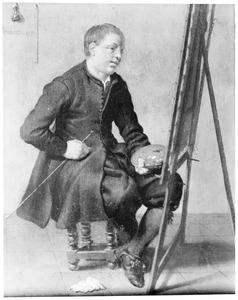 Jonge schilder achter een ezel in een interieur