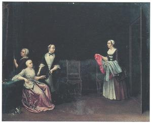 Een dame, door drie diensters geassisteerd bij haar toilet