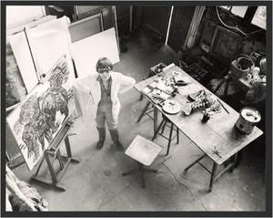 Lotti van der Gaag in haar atelier in de Rue Veringétorix