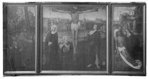 De kruisdraging met stichtersportret (links); De kruisiging (midden); De bewening (rechts)