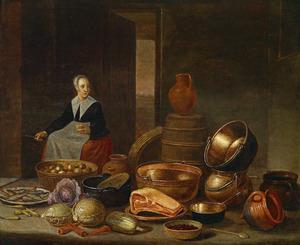 Keukeninterieur met vrouw die appels schilt