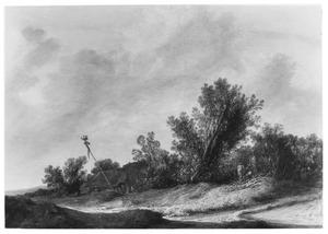 Duinlandschap met een meiboom voor een boerderij aan een zandweg, rechts een houthakker