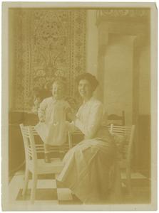 Portret van Jonkvrouw Pauline Johanna Boreel (1887-1961) met kind