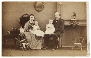 Portret van Johan Herman Geertsema (1816-1908) en Arendina Wichers (1817-1910) en drie kinderen