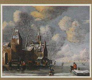 Winterlandschap met figuren op een bevroren water langs een stadsmuur