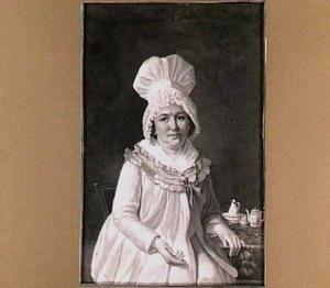 Portret van een vrouw met een grote bonnet, zittend aan haar theetafel