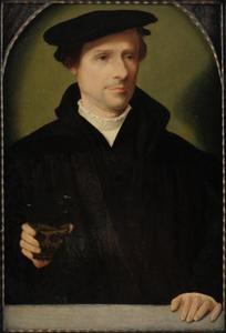 Portret van een man met een glas in de rechterhand