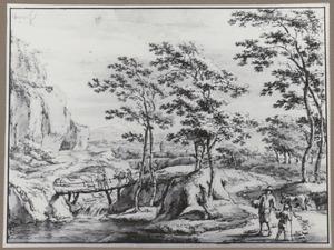 Berglandschap met een brug over een waterval en herders met vee