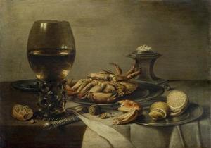 Stilleven met roemer, krab en zoutvat