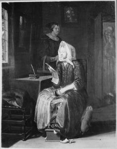 Interieur met een brieflezende vrouw en een dienstmeid