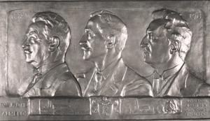 Portret van de gebroeders Arnold Albert Willem van Wulfften Palthe (1851-1929), Dirk Willem van Wulfften Palthe (1849-1941) en Jan Richard van Wulfften Palthe (1855-1948)