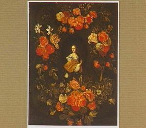 Bloemenkrans rond cartouche met daarin een portret van een vrouw