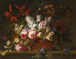 Bloemstilleven met rozen, tulpen, jasmijn en andere bloemen in een mand
