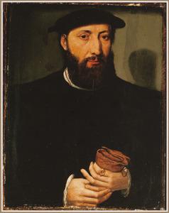 Portret van een bebaarde man, ten halven lijve, met handschoenen in zijn hand