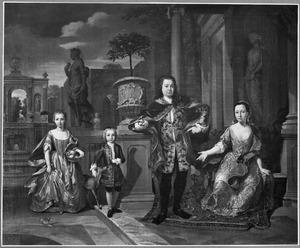 Familieportret van Adriaan Valckenier (1695-1751) met zijn tweede vrouw Susanna Christina Massis (1704-1737) en zijn twee kinderen Susanna Catharina Valckenier (1728-1743) en Adriaan Isaäk Valckenier (1731-1784)