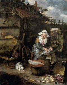 Vrouw op een binnenplaats, vis schoonmakend