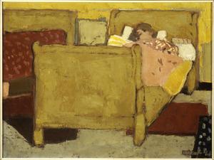 Vrouw rustend in bed