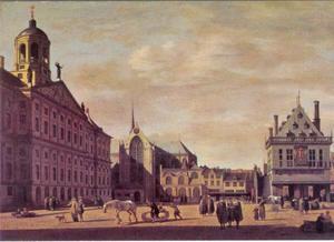 De Dam in Amsterdam, met het stadhuis, de Nieuwe Kerk en de Waag