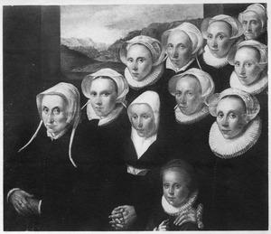 Groepsportret van de vrouwelijke leden van een onbekende familie