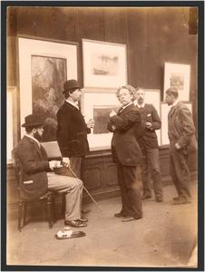 Groepsportret, Commissie van Beheer over de Kunstzalen van Arti et Amicitiae, vlnr. G. Poggenbeek, N. Bastert, F.M. Heyl, J.S.H. Kever en G.H. Breitner, 30 maart 1893