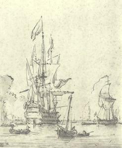 Oorlogsschip van achteren gezien op een rustige zee