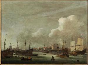 De buitenkant te Amsterdam, gezien vanaf 't IJ, met de oude werf en het pakhuis van de VOC