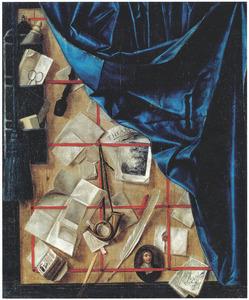 Trompe l'oeil brievenbord met opgeslagen gordijn, opbergzak en minituur zelfportret van de kunstenaar