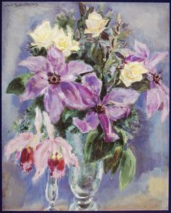 Stilleven met gele rozen en paarsroze orchideeën