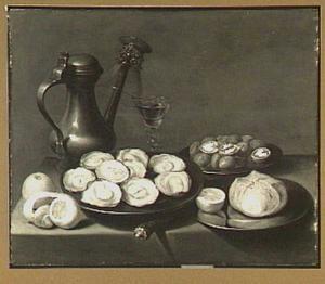 Stilleven van een Jan Steen-kan, bord met oesters, bord met walnoten en een wijnglas