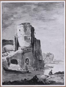 Bergachtig kustgezicht met ruine van een vesting met toren