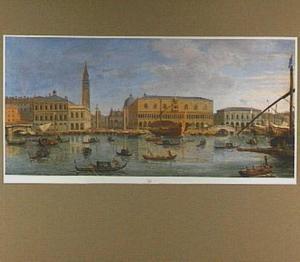 Gezicht vanaf het Bacino di San Marco in de richting van het Piazetta en het Palazzo Ducale in Venetië