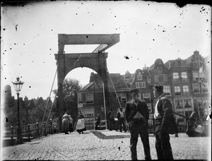 Brouwersgracht in de richting van de Palmgracht te Amsterdam