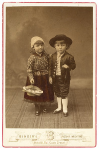 Portret van  Catharine Françoise Bijleveld (1879-1929) en Frank David Bijleveld (1879-?)