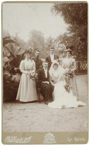 Portret van familie Van den Bergh