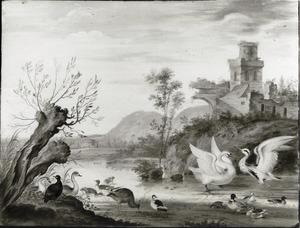 Heuvelachtig rivierlandschap met vogels bij een ruïne