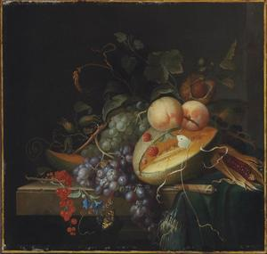 Vruchtenstilleven met mes en tafellaken op een marmeren blad