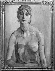 Portret van een vrouw met hoofddoek en oorringen
