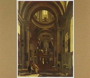 Kerkinterieur met zicht in de kruising en op het orgel
