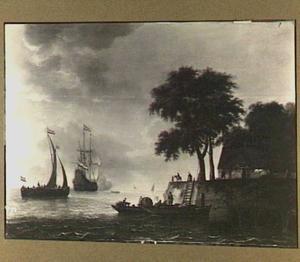 Rivierlandschap met een Hollands oorlogschip dat een saluutschot lost en rechts een aanlegplaats