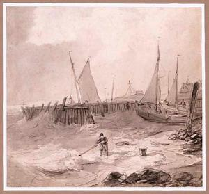 Strandgezicht met haven en visser