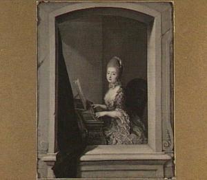 Vrouw aan een piano, gezien door een venster