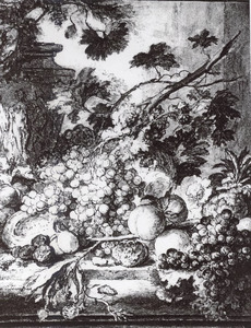 Vruchtenstilleven op een stenen plint, voor een urn versierd met figuren