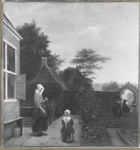 Vrouw met een wijnglas en een kind in een tuin